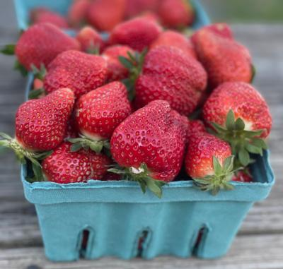 Strawberries(quart)