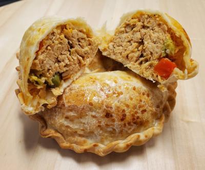 Oven Baked Chicken Empanada x 4