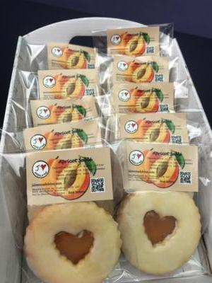 Apricot Sablé (2 shortbread cookies with apricot jam in between)