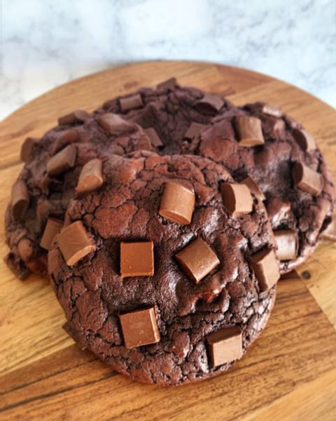 Double Chocolate Chunk Cookies (12 Pack)