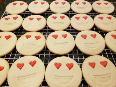 Emoji Shortbread Smileys (2) cookies