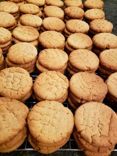Peanut Butter Cookies (8) cookies