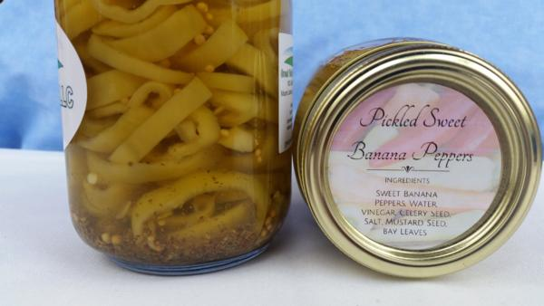Pickled Sweet Banana Peppers (16 oz.)